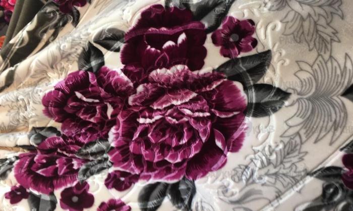 سفارش انواع پتو گل برجسته